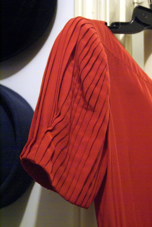 vintage red silk dress - pleated sleeve detail.