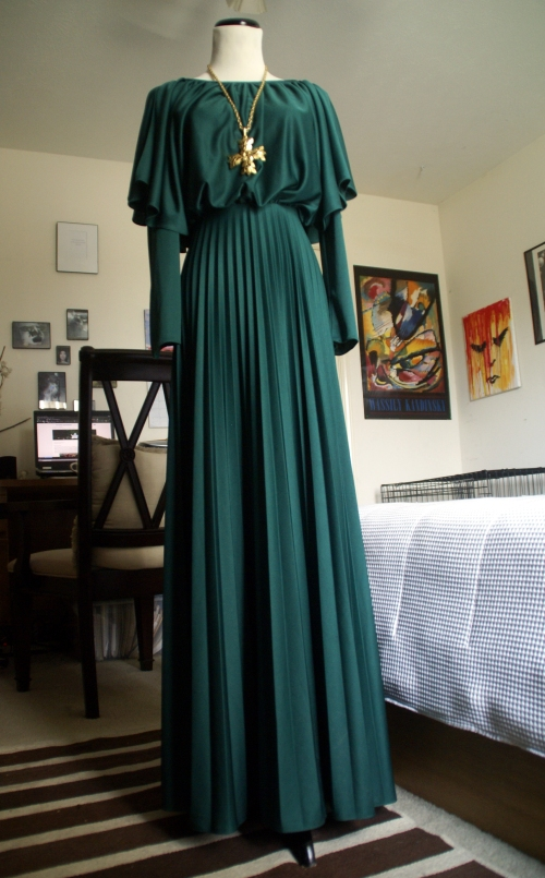 vintage green gown + mother's vintage necklace.